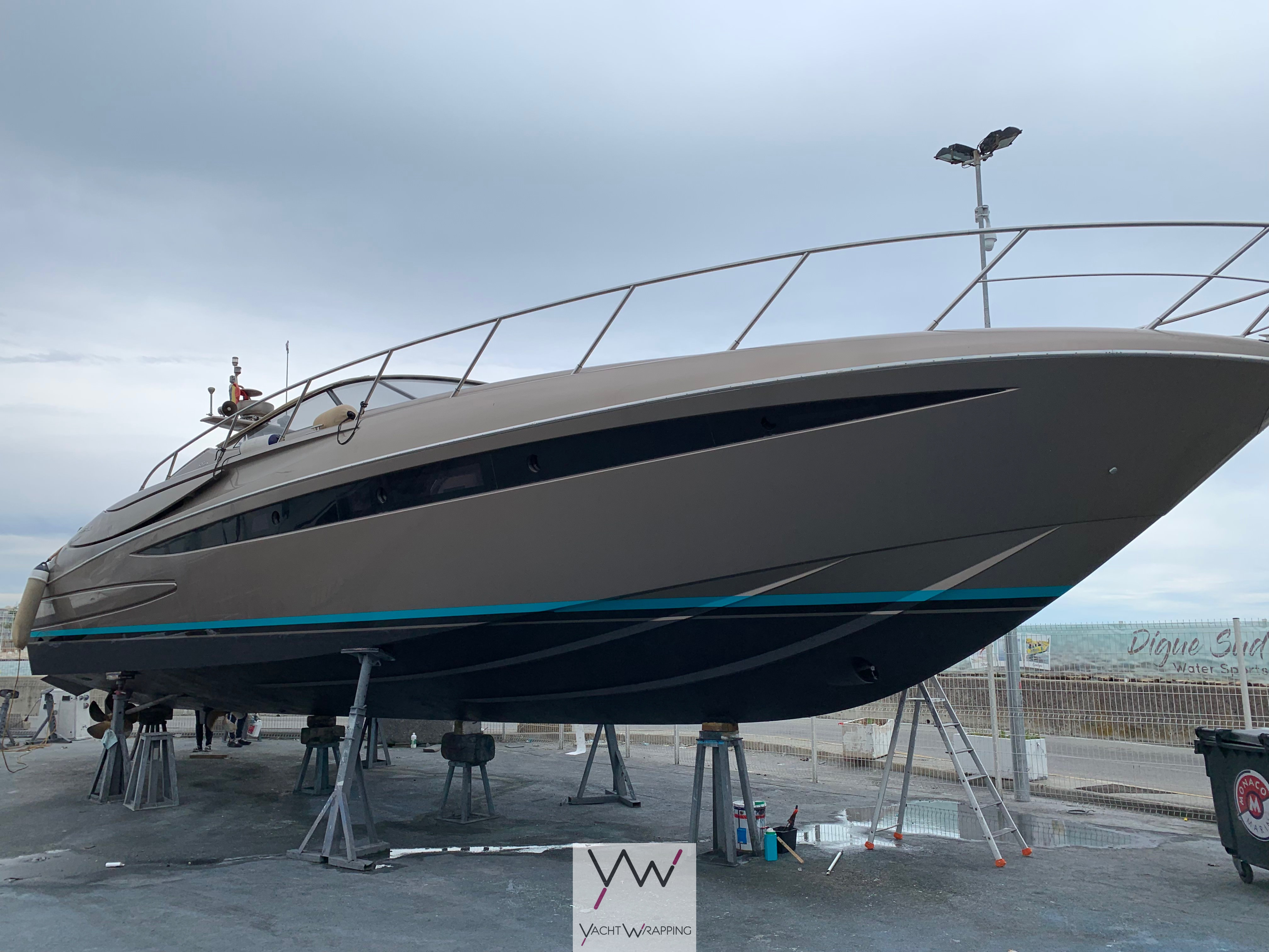 Riva Rivale 52 - Bande decoration
